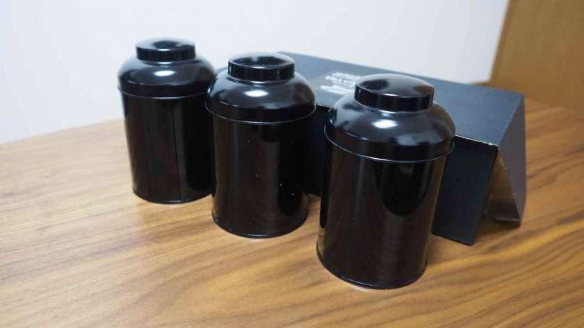 黒い Tea Canister のイメージ。